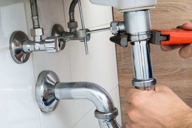How Can An Emergency Plumber Help with a Flooded Basement
